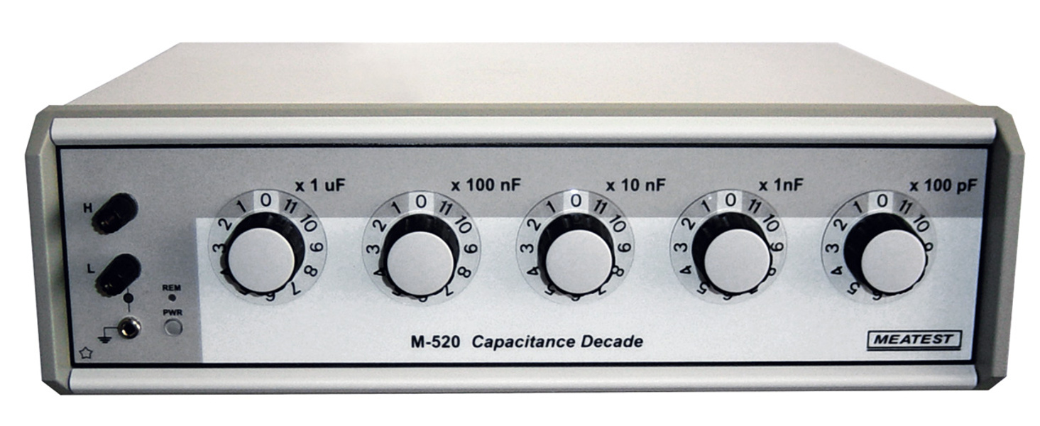 Meatest M520 Programmable Capacitance Decade with RS232 interface and internal battery